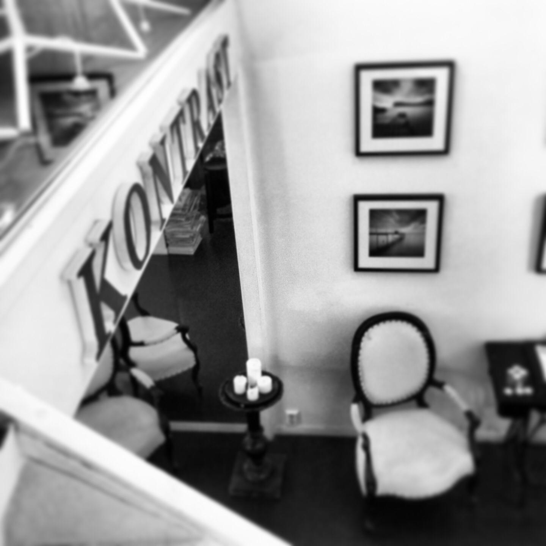 Från trappen upp till loftet på Kontrast