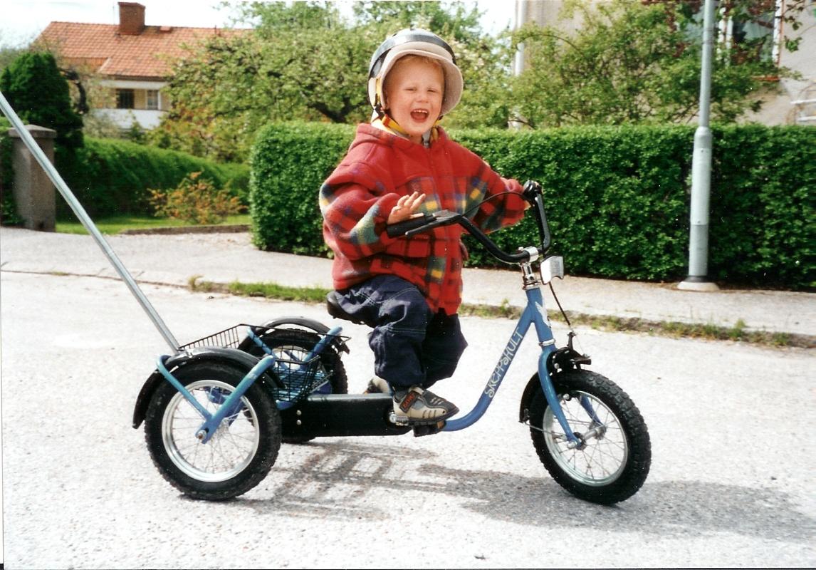 Hugos första cykel våren 2001
