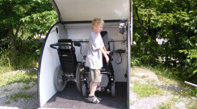 Hugo i rullstolsgaraget när det gick att öppna...